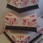 3 emeletes négyzet alakú esküvői torta