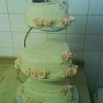 szív alakú 3 emeletes menyasszonyi torta